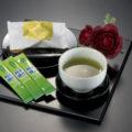 茶葉の栄養をまるごと粉末にした健康緑茶!急須のいらない、便利なスティックタイプです!